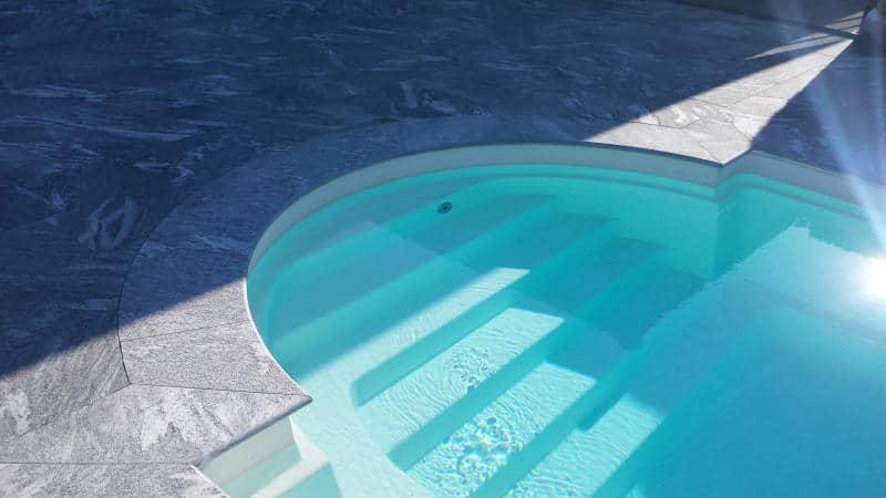 Pool aus Gneis Maggia von KSV Natursteinwelten