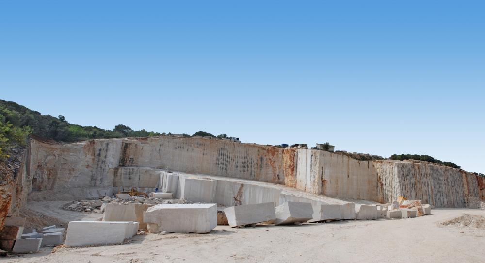 Naturstein außen und innen: Hier finden Sie ein Plädoyer für den fabelhaften Kalkstein Kanfanar der exklusiv bei KSV erhältlich ist