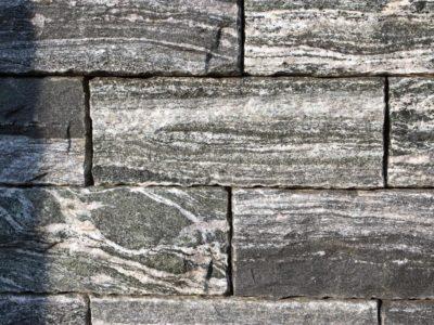 Mauerstein Gneis Silver Stripe