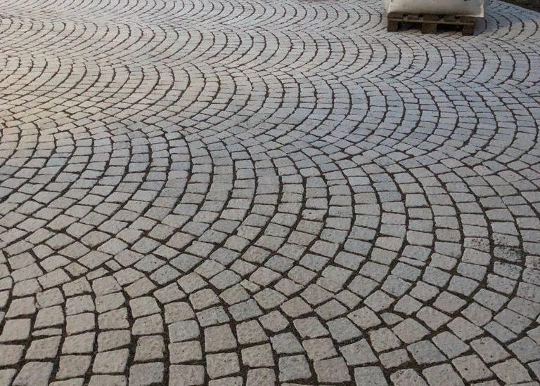 Pflasterstein Kirmenjak - kein anderer Kalkstein kann das ...