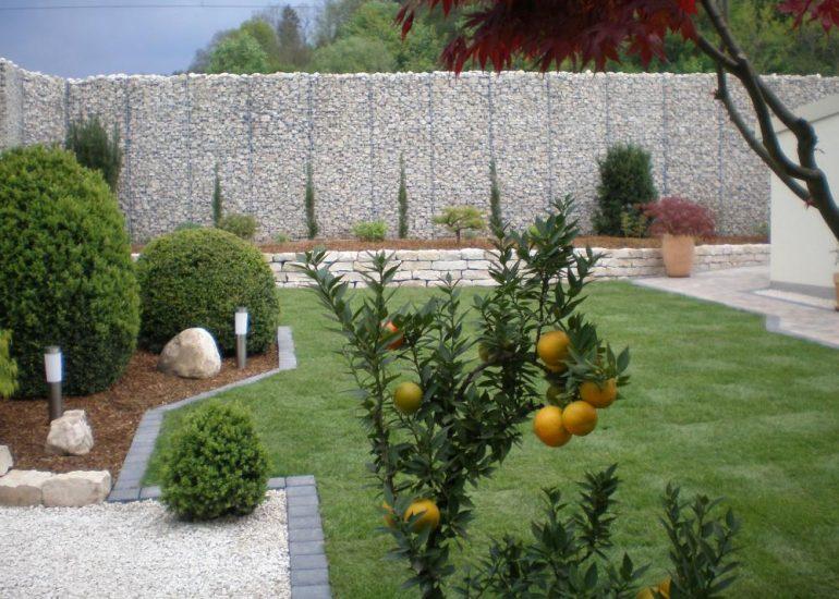 Sichtschutzmauern aus Naturstein