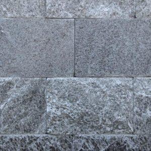 Mauerstein Gneis Beola, gesägt und gespalten, einhäuptig