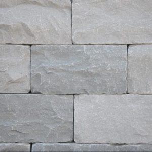 Mauerstein Sandstein Silver Grey, 4 Seiten gesägt, 2 Seiten bruchrau und getrommelt