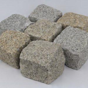 Pflasterstein Granit Bayer. Wald Feinkorn, gespalten, gelb-grau