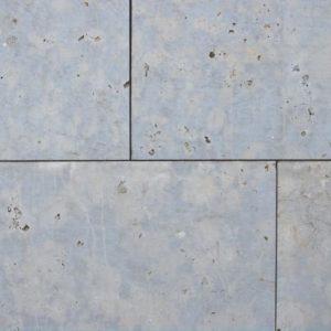 Terrassenplatte Dolomit Wachenzell, sandgestrahlt, Kanten handabgezogen