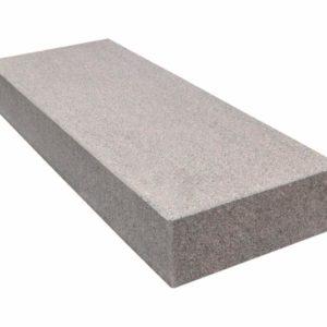 Blockstufe Granit Zora G354, geflammt, rot-grau