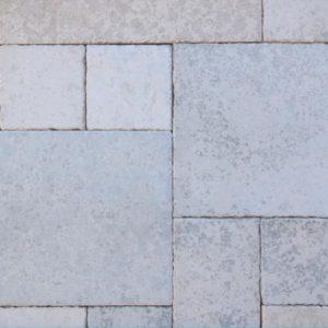 Terrassenplatte Kalkstein Bayadere, sandgestrahlt und gebürstet, Kanten rustikal