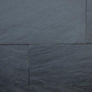 Terrassenplatte Schiefer Celtic Black, spaltrau, Kanten gesägt
