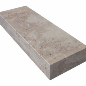 Blockstufe Travertin Noce, geschliffen, walnussbraun