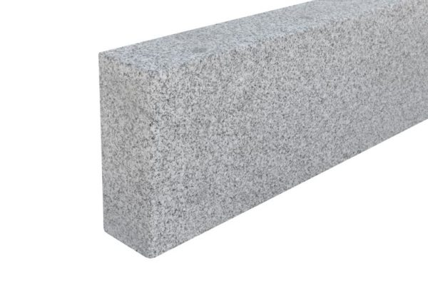 Bordstein Granit Bulvar, gesägt und kugelgestrahlt