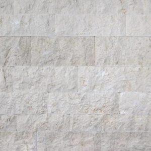 Verblender Kalkstein Kanfanar®, Ansicht bossiert, Kanten und Rückseite gesägt