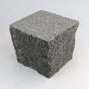 Pflasterstein Granit Gala VN, Oberfläche geflammt, Kanten gespalten