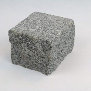 Pflasterstein Granit Kolchis, Oberfläche geflammt, Kanten gespalten